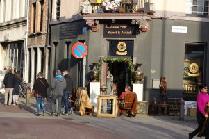 Antwerp Kloosterstraat shopkeeper